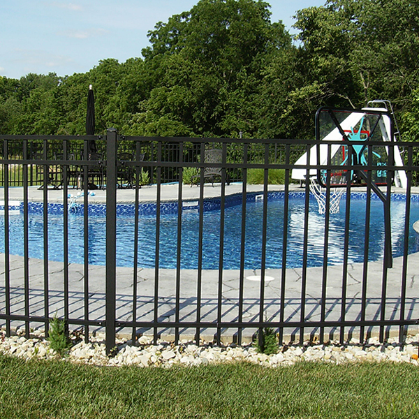 MillsFence-website-fencealuminum-header-mobile